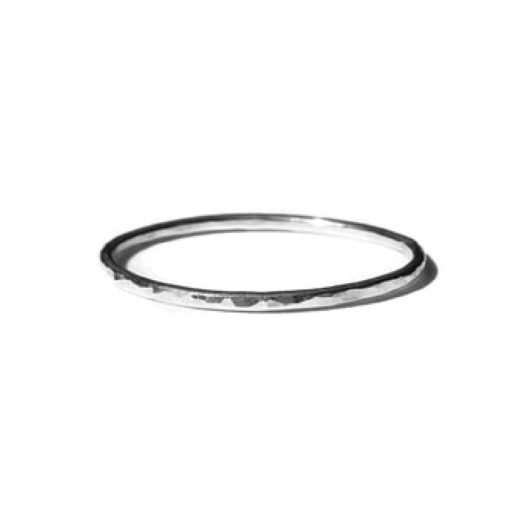 Gnoes Ring gehamerd smal sterling zilver