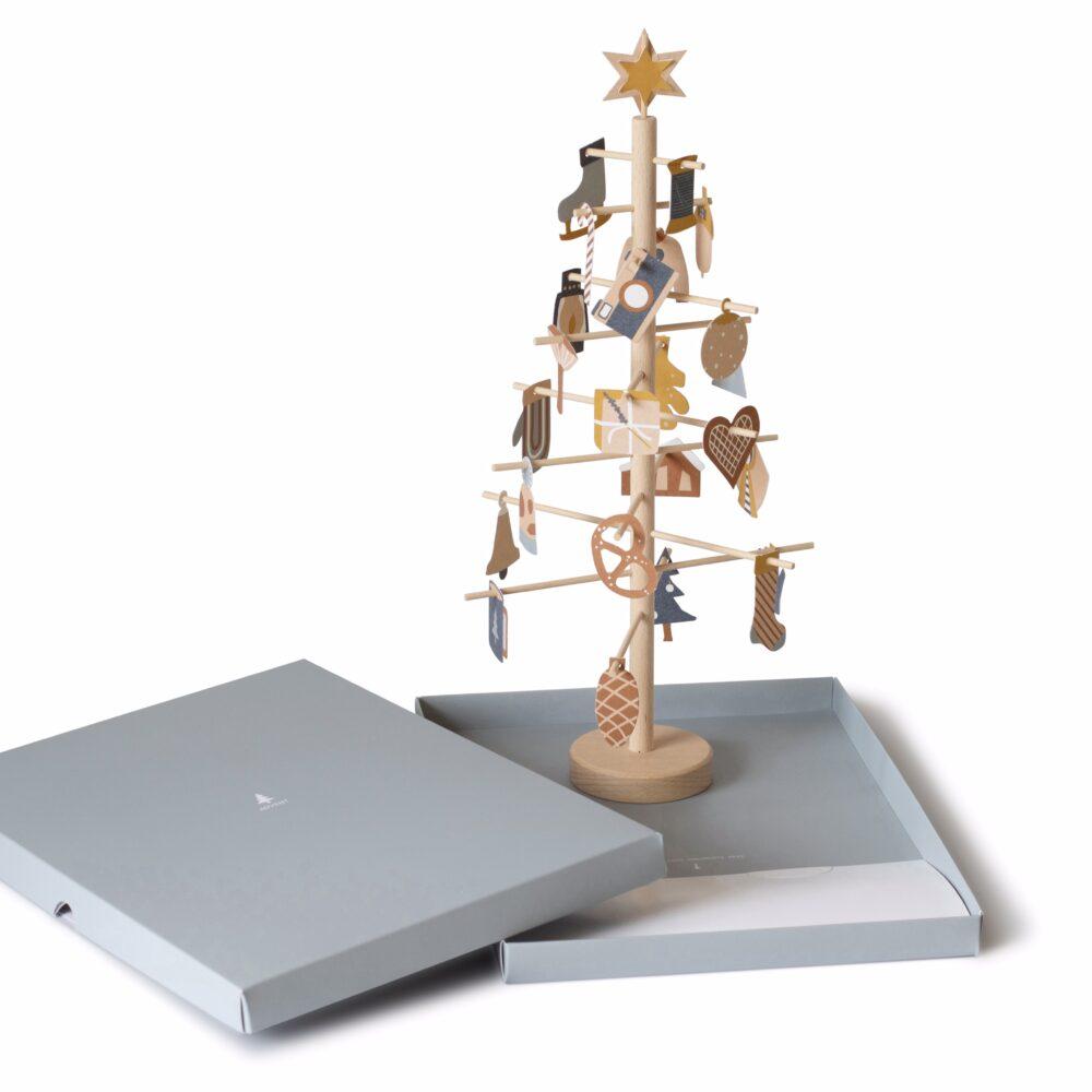 Advent tree | Jurianne Matter
